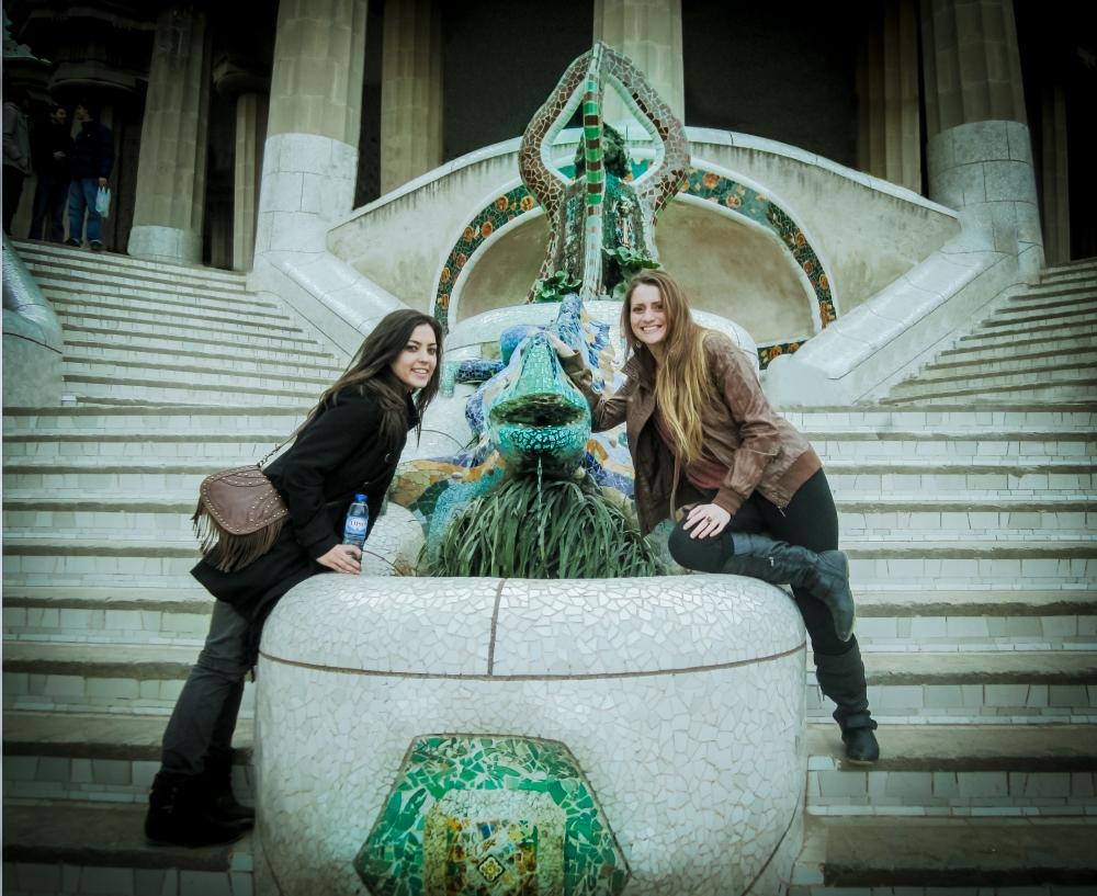 Parque Guell. Barcelona. Lizard Mosaic. me jax 12-2011 (2) editada.jpg