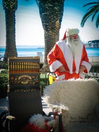 Split, Croatia. santa christmas 12-2008.jpg