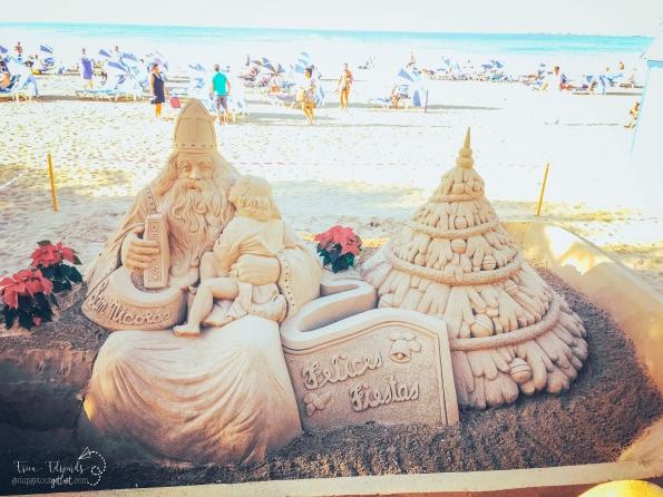 Las Canteras Christmas sand sculpture 3